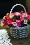 άνοιξη λουλουδιών καλαθιών Στοκ εικόνες με δικαίωμα ελεύθερης χρήσης