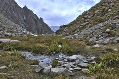 Άνοιξη στα βουνά στοκ φωτογραφία με δικαίωμα ελεύθερης χρήσης