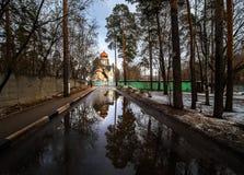 Άνοιξη στην πόλη Ρωσία Στοκ εικόνα με δικαίωμα ελεύθερης χρήσης