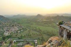 Άνοδος ήλιων και τοπ άποψη ναών Achyutaraya, Hampi, Ινδία Στοκ εικόνα με δικαίωμα ελεύθερης χρήσης