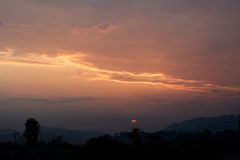 Άνοδος ήλιων ξημερωμάτων σε itanagar, Arunachal Pradesh Στοκ Φωτογραφίες