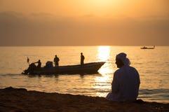 Άνοδος ήλιων στην αραβική παραλία στοκ εικόνα