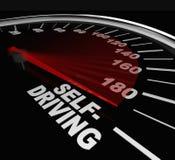 Άνοδος της μόνος-οδήγησης των αυτόνομων λέξεων ταχυμέτρων αυτοκινήτων Στοκ εικόνες με δικαίωμα ελεύθερης χρήσης