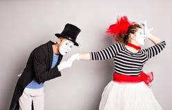 Άνδρας και γυναίκα δύο mimes Η έννοια της ημέρας του βαλεντίνου, ημέρα του ανόητου Απριλίου Στοκ Εικόνα