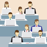 Άνδρες και γυναίκες που εργάζονται σε ένα τηλεφωνικό κέντρο τρισδιάστατη υποστήριξη υπηρεσιών απεικόνισης Στοκ φωτογραφία με δικαίωμα ελεύθερης χρήσης