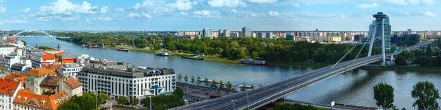 Άποψη άνοιξη πόλεων της Μπρατισλάβα (Σλοβακία) πανόραμα Στοκ φωτογραφία με δικαίωμα ελεύθερης χρήσης