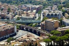 Άποψη άνωθεν σχετικά με τη Ρώμη και το Βατικανό από το θόλο Στοκ φωτογραφίες με δικαίωμα ελεύθερης χρήσης