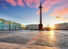 Άποψη Αγίου Πετρούπολη Πανόραμα του τετραγώνου χειμερινών παλατιών, ερημητήριο - Ρωσία στοκ εικόνες