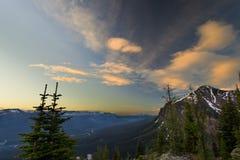 Άποψη ανατολής στα βουνά Banff Στοκ φωτογραφία με δικαίωμα ελεύθερης χρήσης