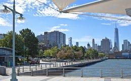 Άποψη αποβαθρών οδών του Christopher, πόλη της Νέας Υόρκης Στοκ Εικόνες