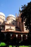 Άποψη από ένα μοναστήρι της βασιλικής της βασιλικής του ST Anthony στην Πάδοβα στο Βένετο (Ιταλία) Στοκ Εικόνες
