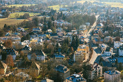 Άποψη από ένα υψηλό σημείο στην ιστορική πόλη του Σάλτζμπουργκ Μια πόλη στη δυτική Αυστρία, η πρωτεύουσα του ομοσπονδιακού κράτου Στοκ εικόνα με δικαίωμα ελεύθερης χρήσης