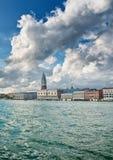 Άποψη από μια βάρκα του Doges παλατιού και του καμπαναριού Στοκ φωτογραφία με δικαίωμα ελεύθερης χρήσης