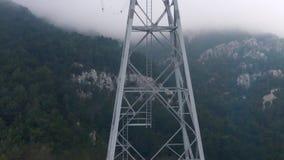 Άποψη από μια καμπίνα σε έναν πύργο τελεφερίκ απόθεμα βίντεο