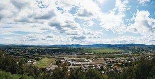 Άποψη από την ακρόπολη Neamt, Targu Neamt, Ρουμανία στοκ φωτογραφίες