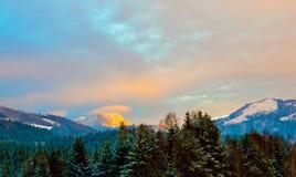 Άποψη από την κορυφή βουνών Στοκ εικόνες με δικαίωμα ελεύθερης χρήσης