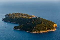 Άποψη από την κορυφή του βουνού Srdj στο νησί Lokrum σε Dubrovnik, Κροατία Στοκ Εικόνες