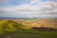 Άποψη από την κορυφή του λόφου Rana στο σταθμό παραγωγής ηλεκτρικού ρεύματος Στοκ Φωτογραφίες