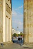 Άποψη από την πύλη του Βραδεμβούργου σε Pariser Platz Στοκ εικόνα με δικαίωμα ελεύθερης χρήσης