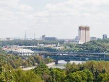 Άποψη από την πλατφόρμα παρατήρησης των λόφων σπουργιτιών στη Μόσχα Στοκ εικόνα με δικαίωμα ελεύθερης χρήσης