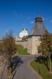 Άποψη από τη γέφυρα στο Pskov Κρεμλίνο Στοκ φωτογραφίες με δικαίωμα ελεύθερης χρήσης