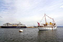 Άποψη από τη θάλασσα σε ένα κρουαζιερόπλοιο, το πορθμείο, το Όσλο και το φιορδ του Όσλο Στοκ φωτογραφίες με δικαίωμα ελεύθερης χρήσης