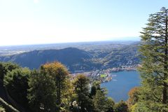 Άποψη από τη λίμνη Como - Ιταλία Στοκ εικόνα με δικαίωμα ελεύθερης χρήσης