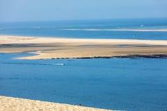 Άποψη από τον αμμόλοφο Pilat, ο πιό ψηλός αμμόλοφος άμμου στην Ευρώπη Λα teste-de-Buch, κόλπος του Αρκασόν, Aquitaine, στοκ φωτογραφία με δικαίωμα ελεύθερης χρήσης