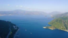 Άποψη από τον κηφήνα του κόλπου Marmaris με τα μέρη των γιοτ και sailboats φιλμ μικρού μήκους