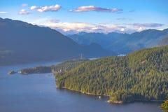 Άποψη από το βουνό Burnaby που αγνοεί τον κολπίσκο Burrard μέσα Π.Χ., στοκ εικόνα με δικαίωμα ελεύθερης χρήσης