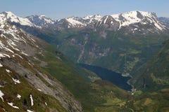 Άποψη από το βουνό Dalsnibba σε Geirangerfjord Στοκ φωτογραφία με δικαίωμα ελεύθερης χρήσης