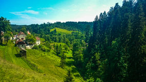 Άποψη από το κάστρο Predjama στοκ εικόνα