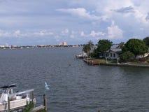Άποψη από το κανάλι Κόλπων  Ακτή Φλώριδα Κόλπων Στοκ εικόνα με δικαίωμα ελεύθερης χρήσης