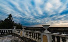 Άποψη από το κτήμα μπαλκονιών κοντά στη Μόσχα στοκ εικόνα με δικαίωμα ελεύθερης χρήσης
