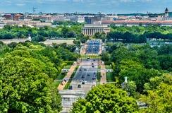 Άποψη από το νεκροταφείο του Άρλινγκτον προς το μνημείο του Λίνκολν στην Ουάσιγκτον, Δ Γ Στοκ φωτογραφία με δικαίωμα ελεύθερης χρήσης