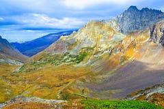 Άποψη από το πέρασμα βουνών Στοκ Εικόνες