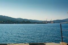 Άποψη από το πορθμείο στο ναυπηγείο Στοκ εικόνα με δικαίωμα ελεύθερης χρήσης