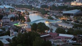 Άποψη από το λόφο στο βράδυ Tbilisi απόθεμα βίντεο