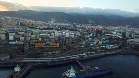 Άποψη από το ύψος της πόλης Santa Cruz de Tenerife στην ατλαντική ακτή Tenerife, Κανάρια νησιά, Ισπανία φιλμ μικρού μήκους