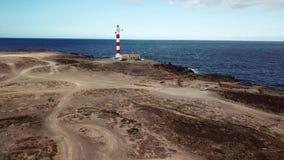 Άποψη από το ύψος του φάρου Faro de Rasca Tenerife, Κανάρια νησιά, Ισπανία Άγρια ακτή του Ατλαντικού απόθεμα βίντεο