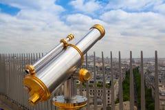 Άποψη από Arc de Triomphe και το τηλεσκόπιο τουριστών στο Παρίσι, Στοκ Εικόνες