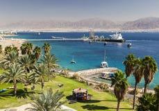 Άποψη από Eilat προς το Άκαμπα στην Ιορδανία, Eilat Ισραήλ Στοκ εικόνα με δικαίωμα ελεύθερης χρήσης