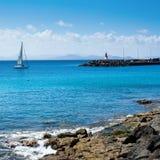 Άποψη από Playa Dorada στο BLANCA Playa, Lanzarote Στοκ Εικόνες