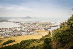 Άποψη από Seongsan Ilchulbong (αιχμή ανατολής), ένα από το UNESC Στοκ Εικόνες