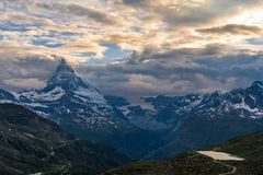 Άποψη βραδιού του Matterhorn Monte Cervino, Mont Cervin στοκ εικόνες