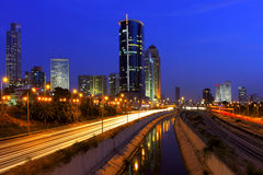 Άποψη νύχτας σχετικά με το Τελ Αβίβ, Ισραήλ. Στοκ Εικόνες