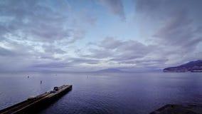 Άποψη βραδιού της ακτής Σορέντο, του Κόλπου της Νάπολης και του Βεζουβίου, Ιταλία φιλμ μικρού μήκους