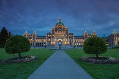 Άποψη βραδιού του κυβερνητικού σπιτιού σε Βικτώρια Π.Χ. Στοκ Εικόνες