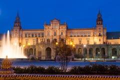 Άποψη βραδιού Plaza de Espana με την πηγή Στοκ Εικόνες