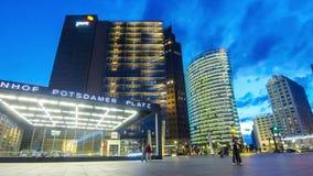 Άποψη βραδιού Potsdamer Platz, Βερολίνο, Γερμανία απόθεμα βίντεο